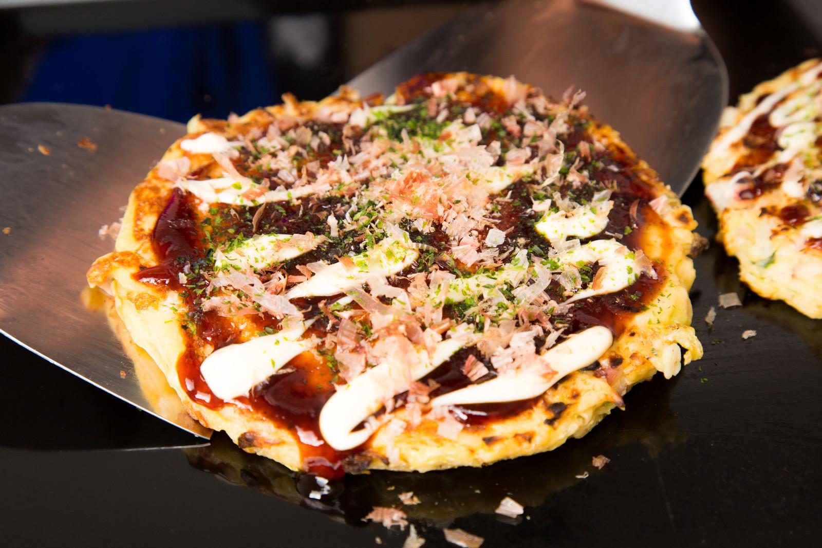 大阪のお好み焼きはコリアタウンのオモニが最高