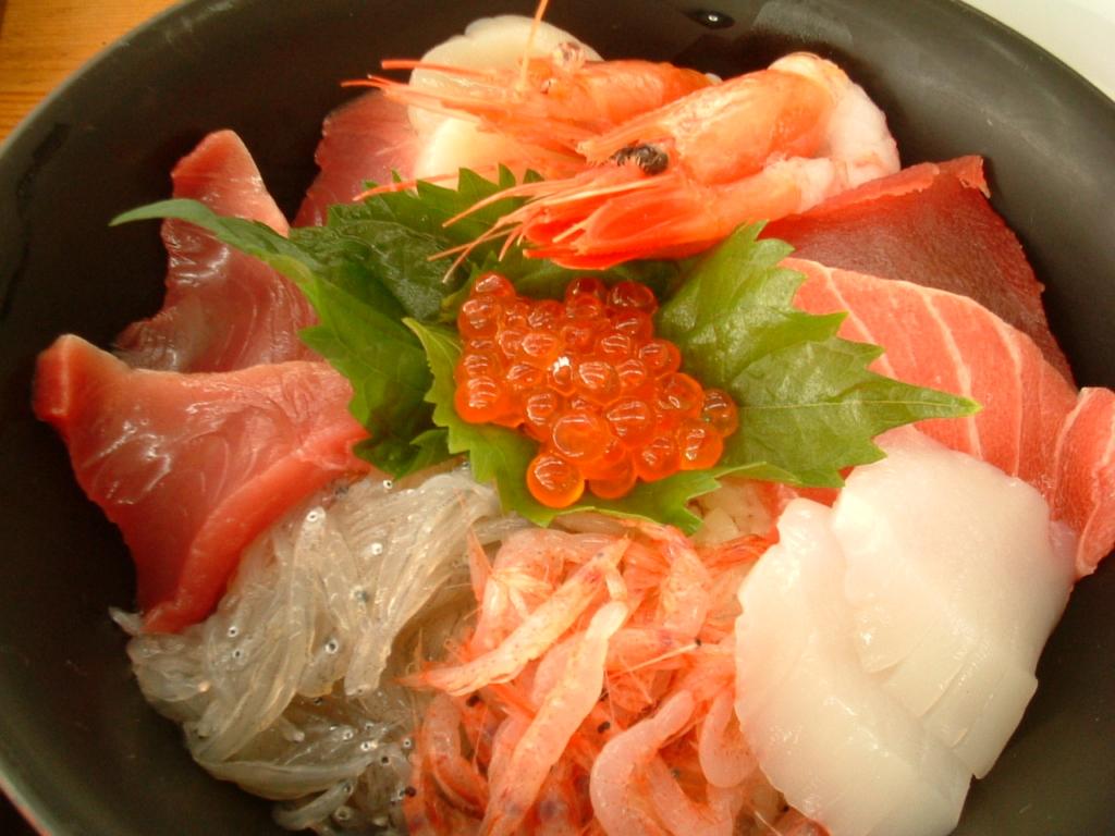 海鮮丼 カロリー 画像