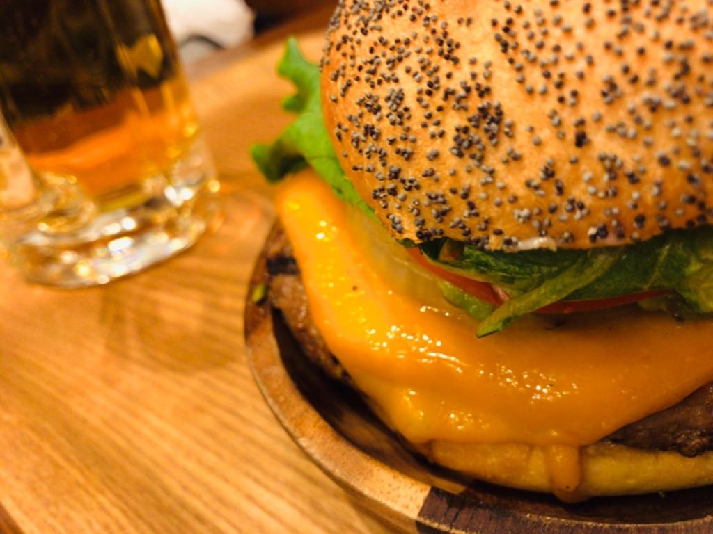 チェダーチーズハンバーガー カロリー