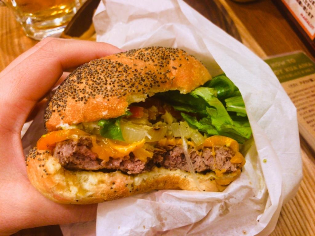 アボカドチーズハンバーガー カロリー