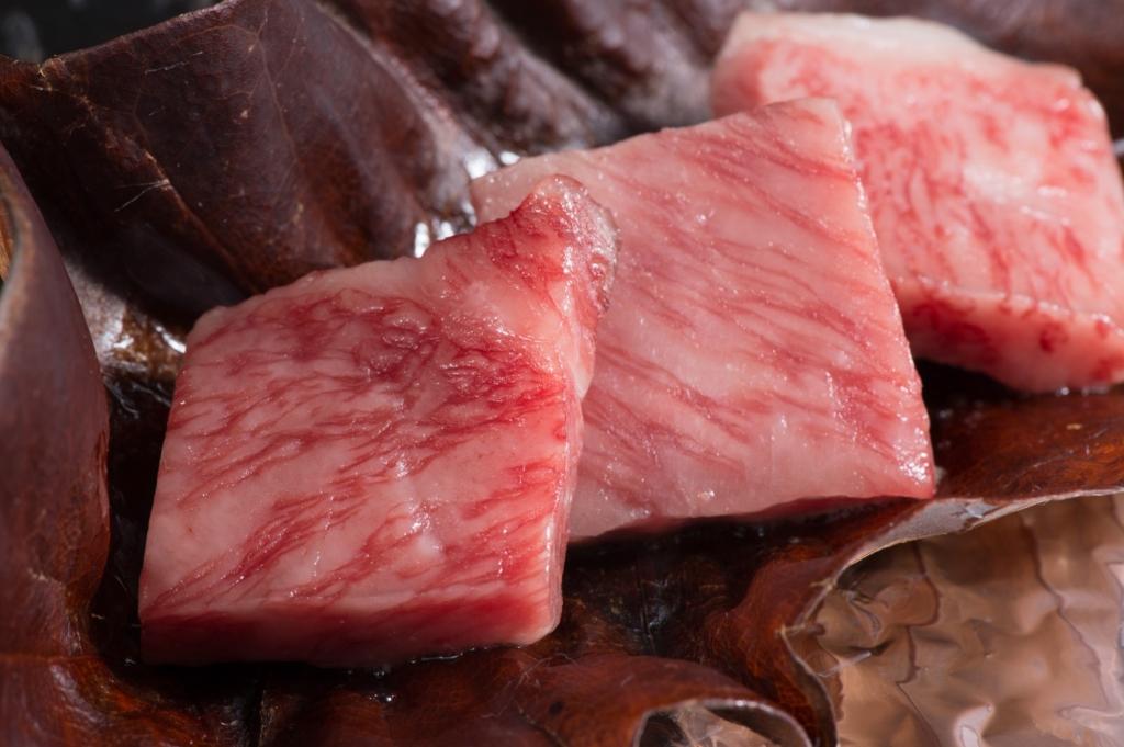 牛肉、豚肉、鶏肉 カロリー 画像
